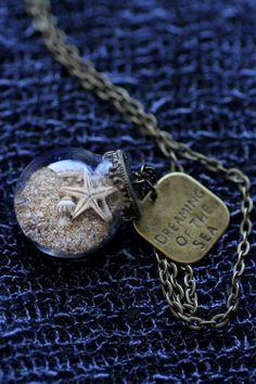 Vous rêvez de la mer. Un magnifique cadeau pour les demoiselles dhonneur qui se tiennent à vos côtés à votre mariage magnifique plage:)  Une