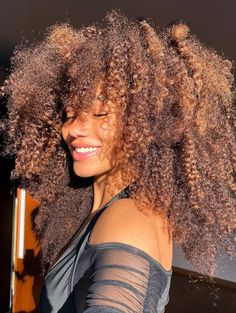 Dyed Natural Hair, Natural Curls, Natural Hair Styles, Long Hair Styles, Curled Hairstyles, Pretty Hairstyles, Cabello Afro Natural, Frizzy Curls, Pelo Afro