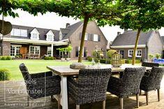 Fotografie: www.passiefoto.nl Outdoor Furniture Sets, Outdoor Decor, Patio, Mei, Home Decor, Lawn, Decoration Home, Room Decor, Home Interior Design
