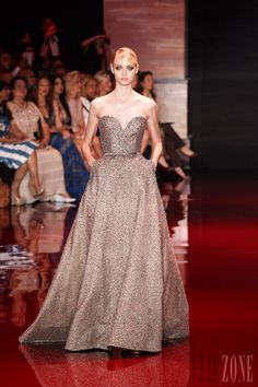 Elie Saab - Couture - Fall-winter 2013-2014 - http://en.flip-zone.com/fashion/couture-1/fashion-houses/elie-saab-3997 - ©PixelFormula