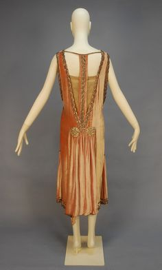 Back view of an early 1920s Evening dress, via Old Rags.