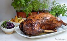 Varza rosie calita simpla sau cu mere | Savori Urbane Turkey Recipes, Game Recipes, Carne, Chicken, Meat, Food, Fine Dining, Red Peppers, Essen