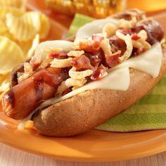 Western Hog Dog: Western burgers can take a backseat to thi. - My Board - HotDog - Hot Dog Recipes - Burger Hot Dog Chili, Chili Dogs, Hamburgers, American Hot Dogs, Grilling Recipes, Cooking Recipes, Hot Dog Sauce, Hog Dog, Street Food