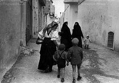 Henri Cartier-Bresson, Pisticci, Costume tipico, 1951