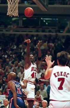 Michael Jordan - He was amazing! Michael Jordan Unc, Michael Jordan Pictures, Jeffrey Jordan, Michael Jordan Basketball, Jordan 23, Basketball Jones, Love And Basketball, Nba Players, Basketball Players