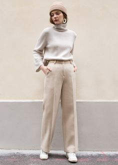 "#newarrivals #cream #beige #wool #suit #pants #thefrankieshop #frankienyc #frankiegirl Flat Front, Heavyweight Pants w/Slit Side Pockets Straight Leg. Not Lined 90% Wool, 10% Nylon 29"" Length, 12"" Rise, XS/25"" Waist, S/26"" Waist Dry Clean Imported"