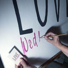 Dice el refrán, que de casta le viene al galgo...y aquí tenéis a la ARTISTA de mi madre, preparándome una sorpresa para el #cumpleLOVE y que lucirá mañana en #eltaller  LOVE #love #amor #oleo #lienzo #painting #paint #wedding #weddingplanner #vintage #boda #bodasbonitas #bodasunicas #inlove #Cádiz #taller #atelier #deco #decor #handmade #beach #playa #sol #sun #destinationwedding #sunday #domingo #mama #mum