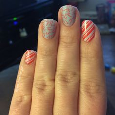 Last Christmas mani and my daughter Fiona picked these out! We'll be putting her matching ones on soon too! I also added some glitter polish on top for a touch of sparkle! #jamberry #glittereffectjn #jamberry #trushinejn #jamicure #christmasnails #nailart #nailstagram #doityourself #mani #manicure