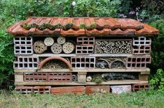 Making an insect hotel - Tutorial , Bug Hotel, Bee House, Urban Nature, Hotels, Home Reno, Nature Reserve, Habitats, Outdoor Gardens, Outdoor Living