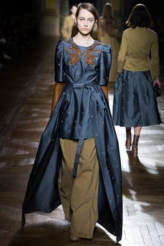 Dries Van Noten Fall 2015 Ready-to-Wear Collection Photos - Vogue