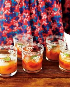 Minted Mandarin and Strawberry Coolers PREP: 20 MINS TOTAL TIME: 20 MINS SERVINGS:10 2 pints strawberries, hulled 1 bunch fresh mint 2 quarts fresh mandarin juice, strained (from 32 mandarins)