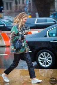 New York Fashion Week FW 2016 Street Style: Jessica Minkoff #camo #sneakers #blackpants