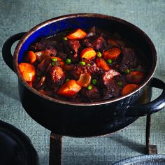 Bison stew from Chatelaine, I use whole green beans instead of peas Bison Recipes, Stew Meat Recipes, Slow Cooker Recipes, Cooking Recipes, Healthy Recipes, Recipe Stew, Game Recipes, Cooking Tips, Healthy Soups