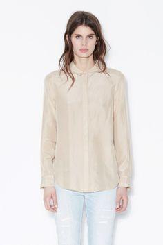 Silk Shirt Closed @ Le Marais Maastricht
