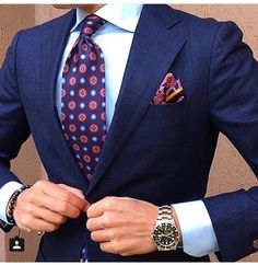 Tie and pocket square combo