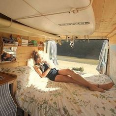 World Camping. Tips, Tricks, And Techniques For The Best Camping Experience. Camping is a great way to bond with family and friends. T4 Camper Interior Ideas, Volkswagen Bus Interior, Van Interior, Interior Design, Camper Ideas, Volkswagen Bus Camper, Airstream Campers, Diy Camper, Camper Life