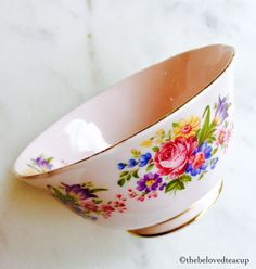Sweet little pale pink Tuscan China sugar bowl featuring beautiful pink roses and floral bouquets. Beautiful Pink Roses, Cream And Sugar, Floral Bouquets, Bone China, Pale Pink, Tea Cups, My Etsy Shop, English, Antique