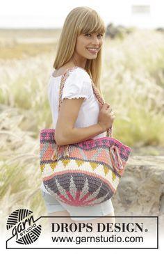 Market Day - free crochet bag pattern with charts by DROPS Design. Crochet Beach Bags, Bag Crochet, Crochet Shell Stitch, Crochet Diy, Crochet Handbags, Crochet Purses, Crochet Hooks, Crochet Summer, Crochet Toddler
