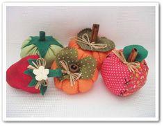 Frutas feitas em tecido de algodão;tomate,morango,abóbora e maçã. R$ 6,02