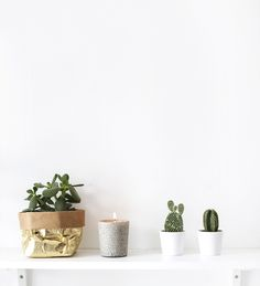 DIY stone effect candle. Looks so good in a minimal, scandi style interior! // via @thelovelydrawer