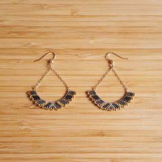 BO Luna Gris Plaqué Or et Perles de Verre Miyuki Cousues Main : Boucles d'oreille par ccedille-bijoux