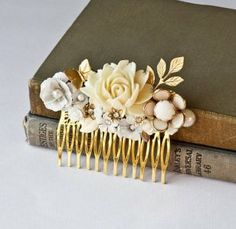 Google Image Result for http://www.shefinds.com/files/2012/01/Vintage-Style-Upcycled-Hair-Comb.jpg