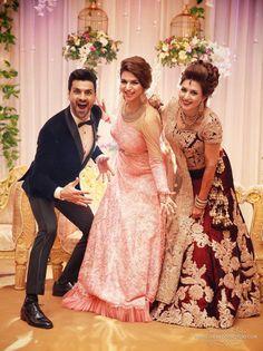 Trendy wedding bands for women princesses bachelorette parties 33 ideas Pakistani Dresses, Indian Dresses, Indian Outfits, Divyanka Tripathi Wedding, Wedding Couple Poses, Trendy Wedding, Ethnic Wedding, Indian Weddings, Wedding Wear