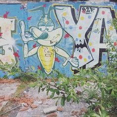 #streetart #streetarteverywhere #streetartistry #streetartlovers #graff #graffiti #graffitiart #graffitiporn #graffitibordeaux #wallart #art #artderue #arturbain #urbanart #urbex #instagraffiti #picoftheday #photooftheday #igersfrance #igers #igersbordeaux #bordeauxmaville #bordeaux #france by sunniesunset