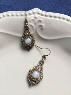 Edwardian  Vintage Moonstone Style Glass Button Earrings in