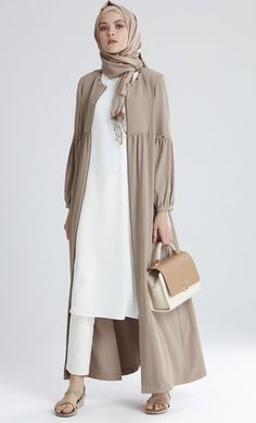 Plain Kimono Cardigan Fashion Inspirations for Hijabies – Girls Hijab Style & Hijab Fashion Ideas Cardigan Fashion, Abaya Fashion, Modest Fashion, Fashion Clothes, Fashion Dresses, Kimono Cardigan, Style Fashion, Fashion Ideas, Hijab Fashion Inspiration