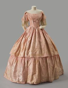 Evening dress ca. 1853 From the Albany Institute of History & Art