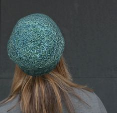 Antimony is the third pattern from Metalwork, a subscription based collection of five accessory patterns. Find out more here.