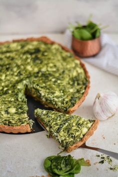 Tarta ze szpinakiem i serem feta – Kuchenny Kodeks Snack Recipes, Cooking Recipes, Healthy Recipes, Salisbury Steak Recipes, Eat Happy, Good Food, Yummy Food, Sweet And Salty, Food Photo