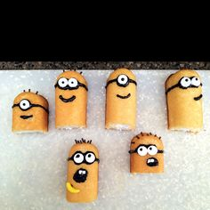 Despicable Me cupcake toppers!! Yeah!!
