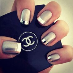 Metallic & matte nails