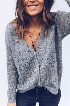 Stylish Vovo Simple 2 Colors Solid Color V-neck Sweater Tops Look Fashion, Trendy Fashion, Winter Fashion, Fashion Outfits, Fashion Brands, Fashion Skirts, Fashion Websites, Fashion Spring, Fashion 2018