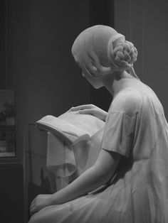 The Reading Girl (La Leggitrice)  Pietro Magni  model 1856, carved 1861 - National Gallery of Art. Wow.