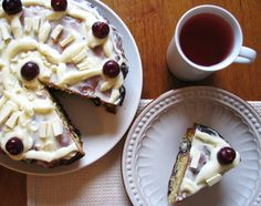 Receta de tarta de cerezas y chocolate blanco | White chocolate cherry cake recipe.