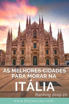 Ranking 2020 com as cidades com melhor qualidade de vida na Itália. Descubra quais as melhores cidades para morar na Itália. Barcelona Cathedral, Building, Travel, Kiss, Travel Tips, Cities, Viajes, Buildings, Trips