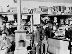 15 Photos Inside the Old General Stores of Yesteryear Old General Stores, Old Country Stores, Antique Photos, Vintage Photos, Vintage Photographs, Old Pictures, Old Photos, Tante Emma Laden, West Virginia History