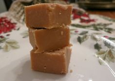 Easy Peanut Butter Fudge - in the MICROWAVE!!!  Absolutely delicious and SO SO easy! Great for gifts, but really good for nomming.