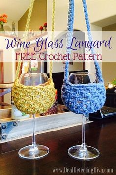 Crochet Lanyard Wine Glass Holder Free Pattern Crochet Cozy, Crochet Gifts, Free Crochet, Crochet Lanyard, Wine Glass Crafts, Wine Bottle Covers, Wine Glass Holder, Crochet Kitchen, Crochet Accessories