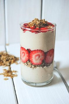 ... super creamy banana-peanut butter and oat nice-cream with cereal flakes and fresh strawberries ...
