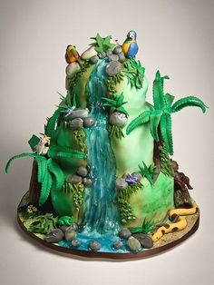 island with waterfall cake Jungle Birthday Cakes, Jungle Cake, Crazy Cakes, Fancy Cakes, Gorgeous Cakes, Amazing Cakes, Waterfall Cake, Nature Cake, Rodjendanske Torte