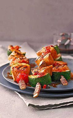 Marinierte Hähnchen - Gemüse - Spieße mit Champignons und Kirschtomaten - ideal zum Grillen