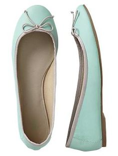 Classic leather ballet flats- surf blue! Need to find in my size