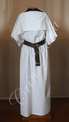 Vestido feito em linho de algodão inspirado no Vestido de Huldremose.