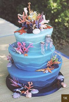 An Under the Sea cake inspired by the Australian Great Barrier Reef #cakedecorating (by The Buttery in Santa Cruz, CA)