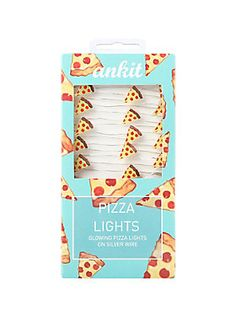 Let pizza light the way! String lights on a silver wire with glowing pizza slices. Perfect to wrap around anything for a little glow like furniture, windows, frames and your desk. 10 feet long. 25 lights powered by 3AA batteries (not included).