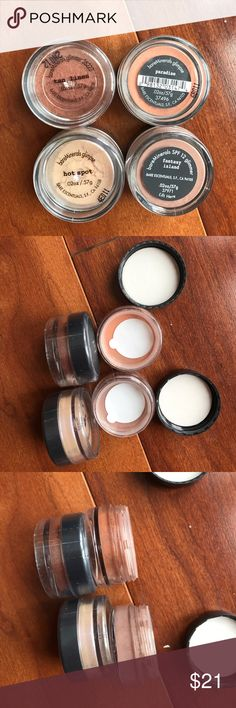 BareMinerals Set of 4 eye shadows, New BareMinerals Set of 4 Eyeshadows, New with Safety Seal Intact. This set features Tan Lines, a tan glimmer, Paradise, a coral glimpse, Fantasy Island, a light brown glimmer, and Hot Spot, very neutral glimpse with iridescent. You can layer these, wear over you makeup or mix them for a unique look. bareMinerals Makeup Eyeshadow